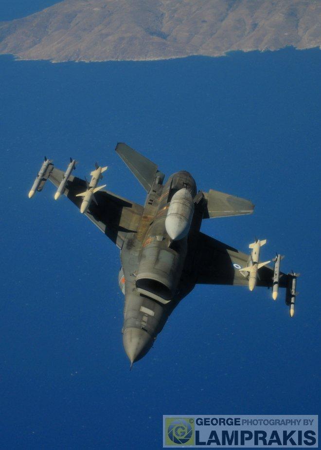 Πετάξαμε με αεροσκάφος KC-135R και καταγράψαμε μοναδικές εναέριες εικόνες από την εκπαίδευση της ΠΑ!