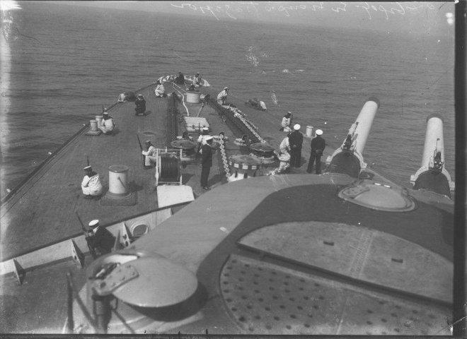 Με την έναρξη του Β΄ Παγκόσμιου Πολέμου το Θωρηκτό Γ. Αβέρωφ τέθηκε και πάλι επικεφαλής, ως ναυαρχίδα του ελληνικού πολεμικού στόλου.