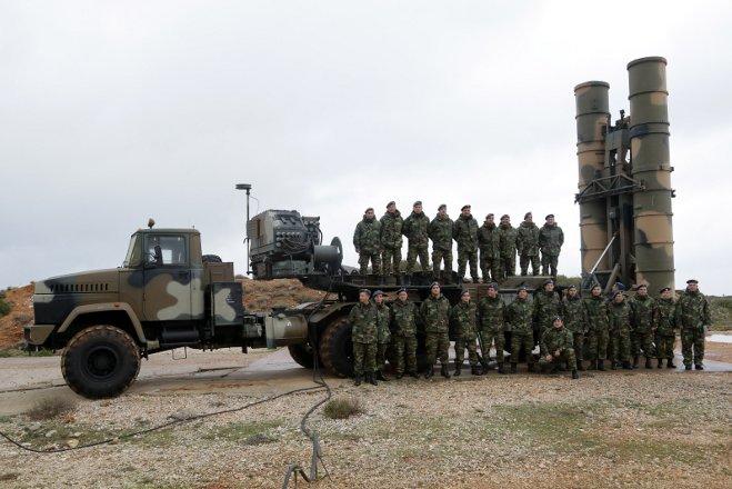 Την δυνατότητα να δουν από κοντά το ρωσικό αντιαεροπορικό πυραυλικό σύστημα S-300 θα έχουν οι Αθηναίοι αλλά και όσοι άλλοι παρακολουθήσουν τη μεγάλη στρατιωτική παρέλαση της Αθήνας για την επέτειο της 25ης Μαρτίου!