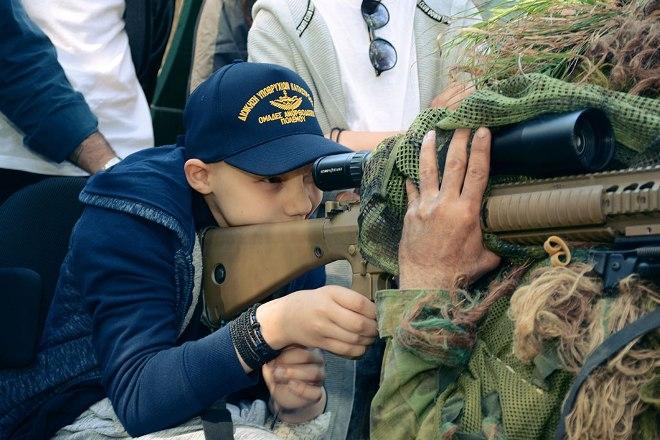 Η ευχή ενός παιδιού να γίνει μέλος των Ομάδων Υποβρυχίων Καταστροφών του Πολεμικού Ναυτικού.
