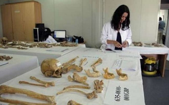 Σύμφωνα με πληροφορίες της κυπριακής εφημερας «Φιλελεύθερος», στο στάδιο της ταυτοποίησης βρίσκονται 20 αξιωματικοί και άνδρες της Μοίρας, καθώς και άλλα τέσσερα άτομα τα οποία δεν σχετίζονται με τη Μοίρα. Βρέθηκαν σε δύο διαφορετικούς τάφους.