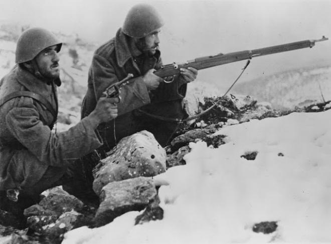 Πέρα από κάθε όριο λογικής, ευαισθησίας και ανθρωπισμού μπορεί να χαρακτηριστεί η συμπεριφορά του Υπουργείου Εξωτερικών και της Πρεσβείας στα Τίρανα προς τους συγγενείς των πεσόντων μαχητών του Έπους 1940 – 41 στη Β. Ήπειρο.
