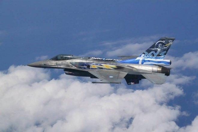 Το αποτέλεσμα είναι εντυπωσιακό, χάρη στο μεράκι και την αγάπη των στελεχών της ΠΑ που ασχολήθηκαν για ένα μεγάλο χρονικό διάστημα. Πλέον οι προσωρινές λύσεις με τα αυτοκόλλητα εγκαταλείπονται και στις επιδείξεις θα συμμετέχει το F-16 με τον εντυπωσιακό διάκοσμο.
