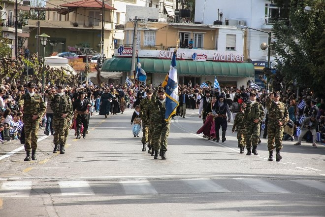Λίγους μόλις μήνες μετά την σύσταση του παραρτήματος στο Ηράκλειο, η ΛΕΦΕΔ έδωσε δυναμικό παρών στην παρέλαση που πραγματοποιήθηκε στους κεντρικούς δρόμους της πόλης, με την οποία κορυφώθηκαν οι εορταστικές εκδηλώσεις για την εθνική μας επέτειο.